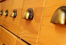 Photo of How To Select Knobs Or Pulls For Your Kitchen Cabinet?